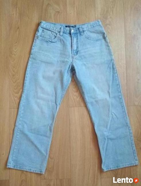 Spodnie, jeansy - męskie, mężczyzna
