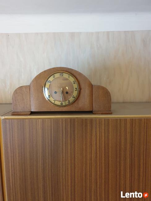 Stary zegar na klucz