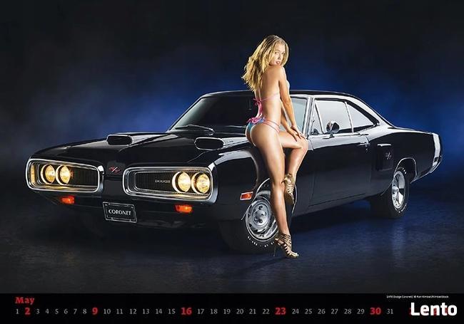 kobiety muscle cars sportowe bryki laski kalendarz 2021