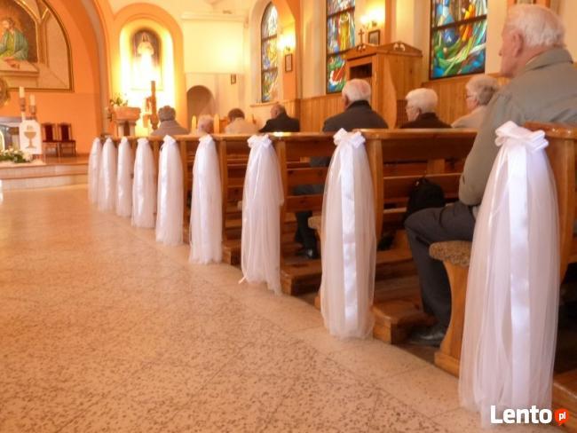 Efektowne dekoracje sal weselnych, kościołów, samochodów