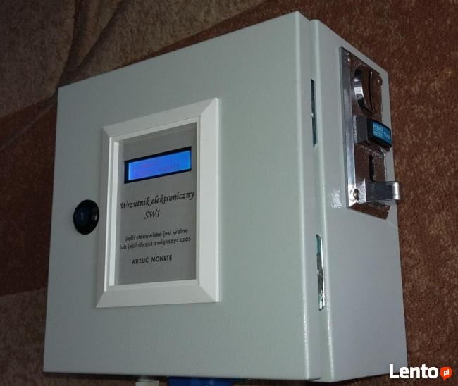 Energia elektryczna za pieniądze i monety zapłać i korzystaj