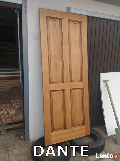 Wewnętrzne drzwi sosnowe