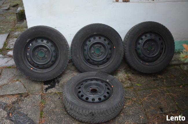 Felgi + opony zimowe 185/65 R15 + kołpaki – Hyundai i30