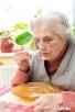 Nieodpłatna pomoc, opieka dla starszej, samotnej, osoby.