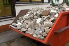 Kontenery na wywóz odpadów budowlanych, gruzu i śmieci.