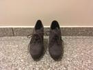 Buty zamszowe na obcasie - 1