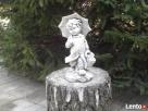 Figurka chłopczyka z parasolką Rybnik