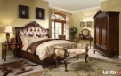 Stylowa, drewniana sypialnia Filippe od Jacob Furniture Sopot