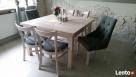Eleganckie krzesło z pinezkami i kołatką pikowane