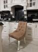 Krzesło glamour pikowane z kołatką pinezkami z kryształkami - 1