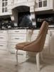 Krzesło glamour pikowane z kołatką pinezkami z kryształkami - 3