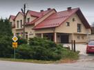 Dwa niezależne mieszkania z podwórkami lub agroturystyka.