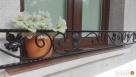 Kwietnik kwiaty skrzynki na balkon doniczki brama bramka Kraków