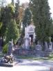 Plac na cmentarzu