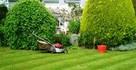 Ogrodnik Zakładanie ogodu Trawa z rolki Nawodnienie