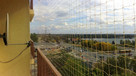 Montaż siatki na balkon dla zabezpieczenia kota - 9