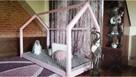 Łóżko domek z barierkami Bella w kolorze różowym 120 x 60 cm - 3