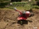 Glebogryzarka przekopywanie ziemi spulchnianie gleby