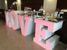 Największy na rynku podświetlany napis LOVE jako stół słodko - 3