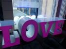 Największy na rynku podświetlany napis LOVE jako stół słodko - 8