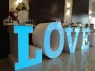 Największy na rynku podświetlany napis LOVE jako stół słodko - 1
