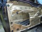 Wygłuszanie drzwi samochodowych matą bitumiczną - 2