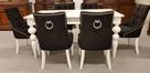Krzesło tapicerowane białe pikowane z kołatką i z pinezkami - 4