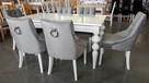 Krzesło tapicerowane białe pikowane z kołatką i z pinezkami - 7