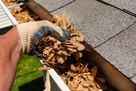 Czyszczenie, udrażnianie rynien dachowych, rur spustowych