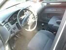 Toyota Avensis Verso - 7