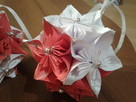 bombki origami kusudame biało- czerwone wraz ze stojakiem